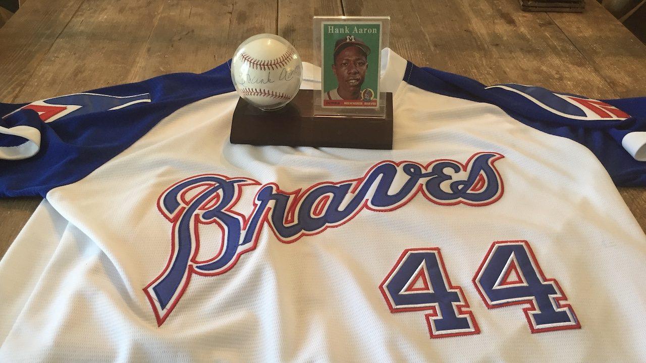 Hank Aaron (featured)